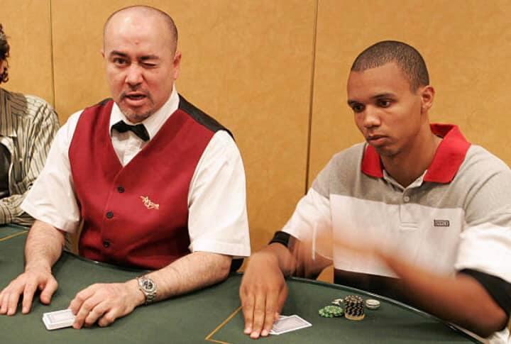 Le joueur américain Phil Ivey, en 2004, sur le WPT Grand Prix Paris, à l'Aviation Club de France. A cette époque, le gratin du poker mondial faisait le déplacement